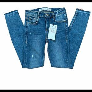 Zara Trafuluc Low Rise V Yoke Skinny Leg Jeans